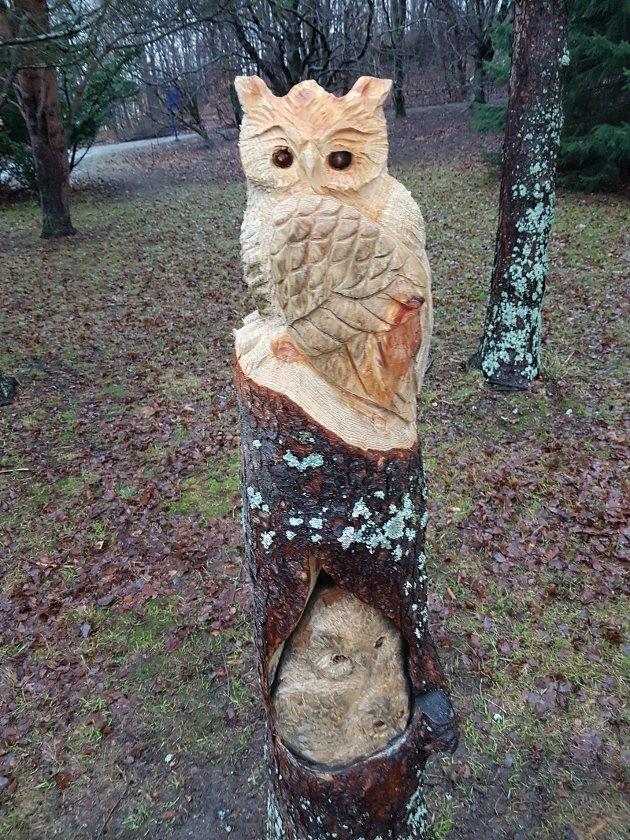 Treskulptur i Ringve botaniske hage