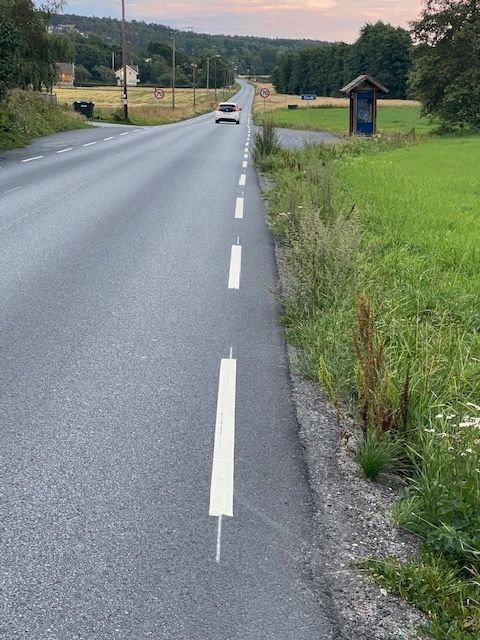 På strekningen fra vestre til østre Slevik må myke trafikanter dele vei med stor sommertrafikk.