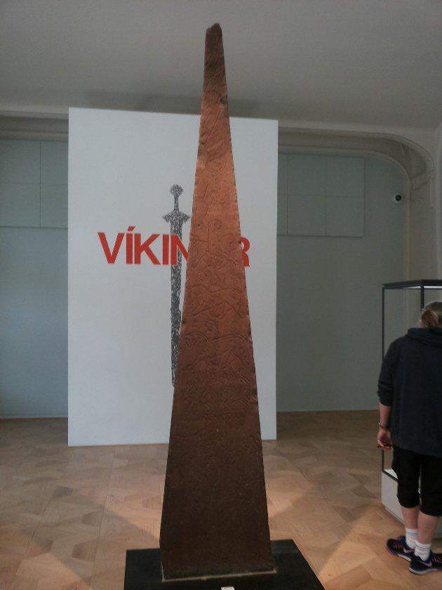 FRA HADELAND TIL OSLO: Dynnasteinen på historisk museums utstilling Vikingr.