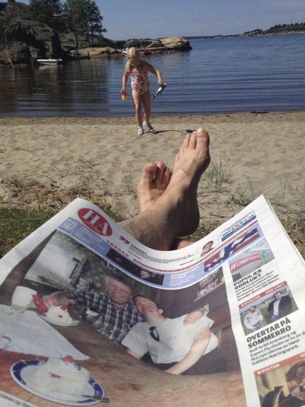 Ferie:  Hva er vel bedre enn en badestrand og papiraviser i fleng i ren avslappelse under en lang sommerferie?