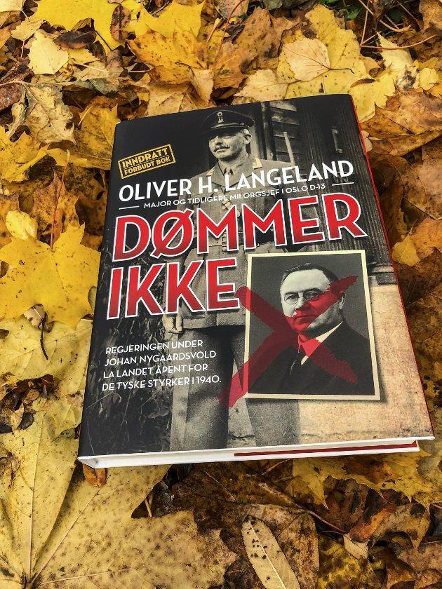 SPENNENDE: Dette er en av flere spennende bøker denne bokhøsten, mener Oddvar Rakeng. Foto: Oddvar Rakeng