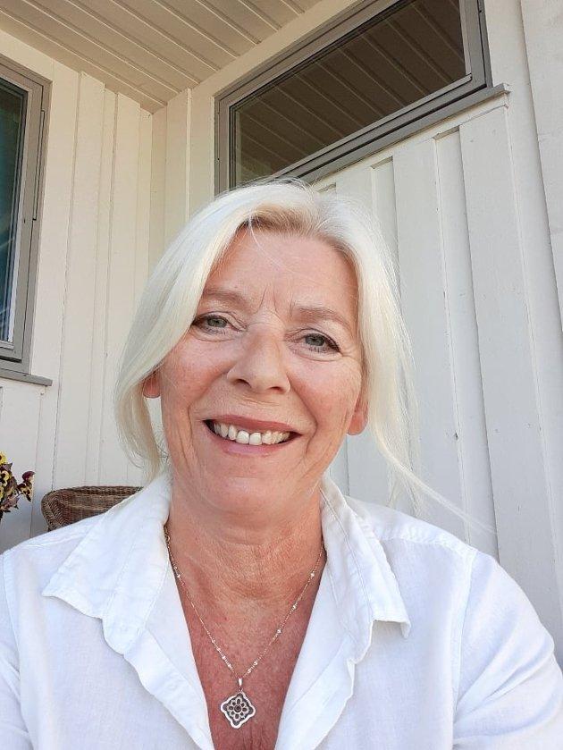 Lena Marie Westlin Kristiansen er leder av Halden Frp. Hun mener man i stedet skal legge til rette med skattelette til næringslivet før man tar i mot flere flyktninger.