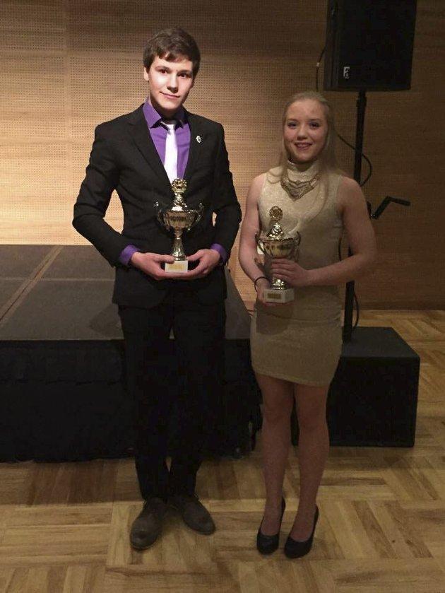 STERK PRESTASJON: Ulrik Sundquist fra Kirkenes og Frida Tøllefsen fra Tromsø ble kåret til årets juniorer under NNM.