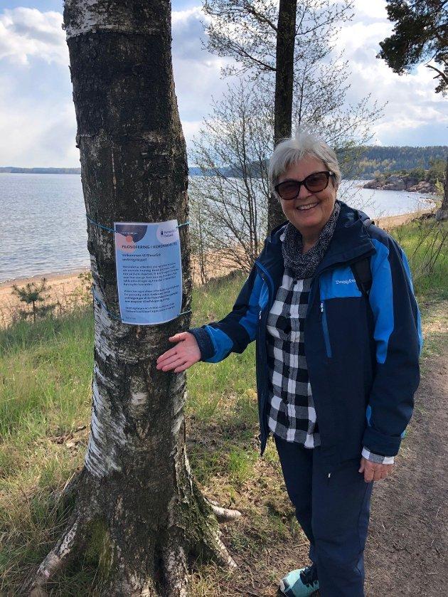 Velkommen: Lokallagsleder Inger Deildokk ønsker velkommen til undringsløypa.
