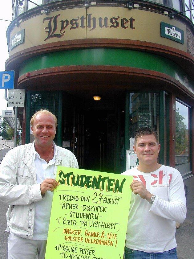 2004: Thomas Aaslund (t.h.) og Kjetil Fjeldstad åpnet «Studenten»,  en egen avdeling for studenter i annen etasje på Lysthuset i Moss sentrum.