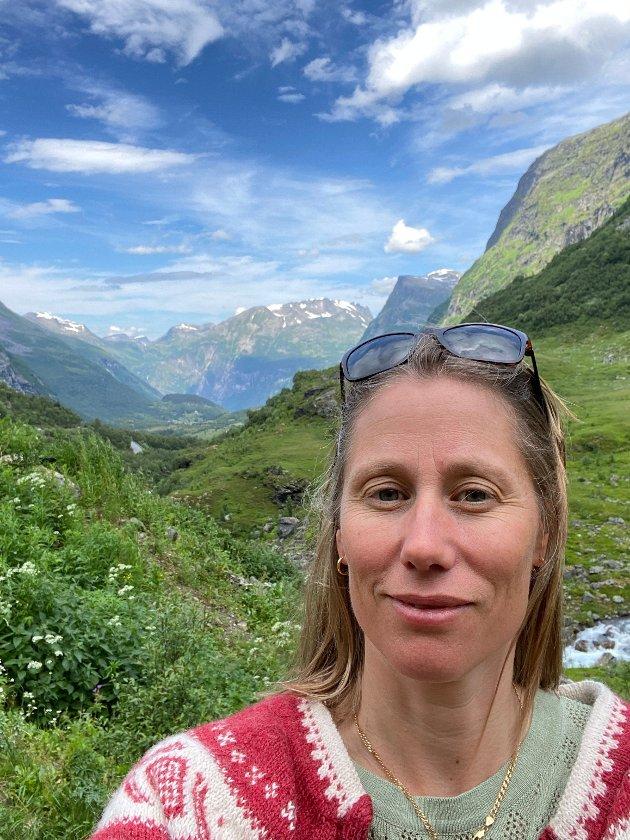 Kontrastenes sommer fra ferieidyll i Norge til 1000 års regn i Kina -fra sorgløse sommerdager til naturkatastrofe.