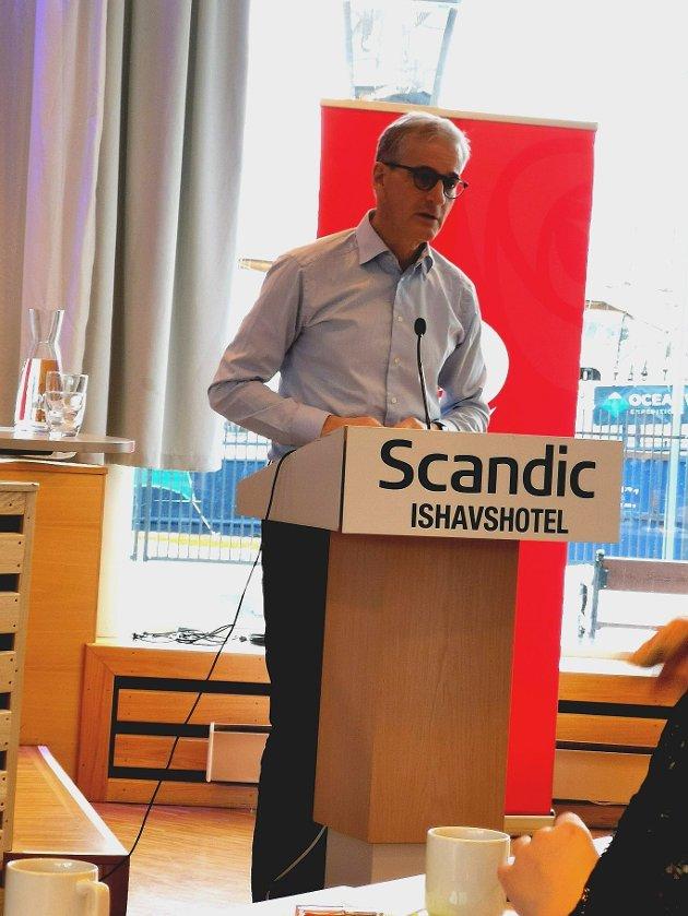 Jonas Gahr Støre fremlegger Arbeiderpartiets politikk på årsmøtet i Troms AP 2020. Foto Tommy Sarnes