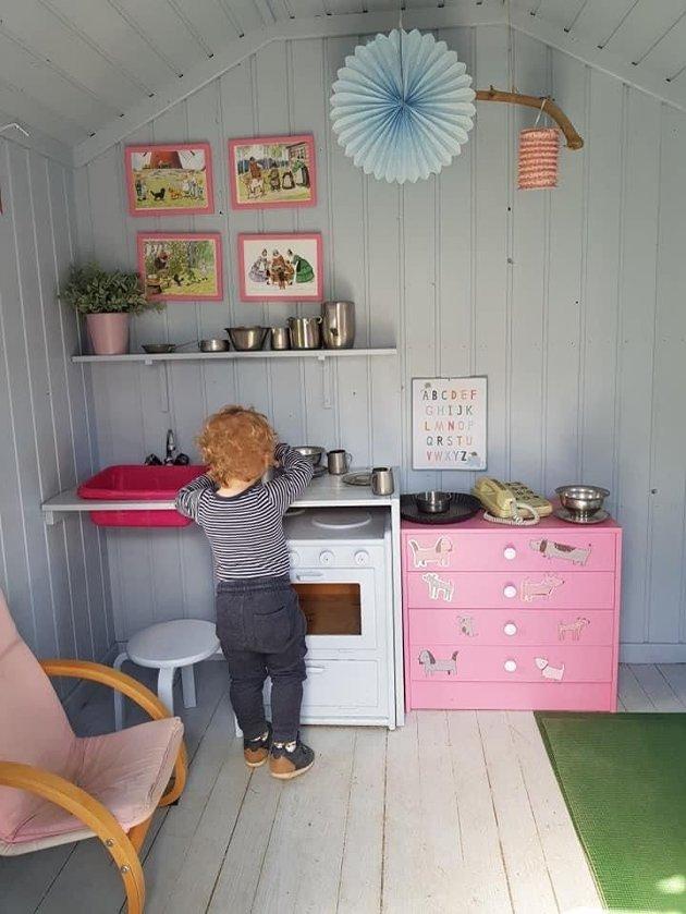 SMÅ: – Vi foreldre som har barn i Solåsstua har nylig fått den verste beskjeden vi kunne fått. Det er at Solåsstua fra høsten av vil stenge for godt hvis de ikke får inn minimum 6 barn til, skriver Marius Trogstad Owren.