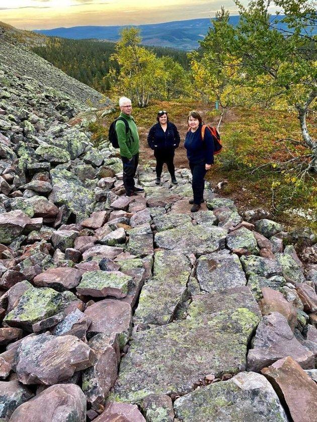Erik Sletten, Stine Akre og Elisabeth Sakrisson i Fulufjellet nasjonalpark.