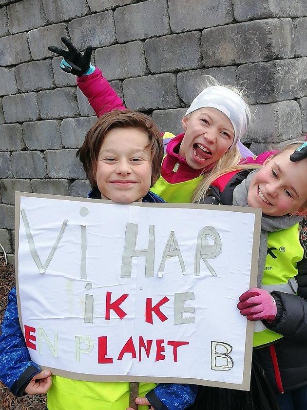 """""""Vi har ikke en planet B"""" Martin Mattoni, Nora Schiøtz Heramb og Maia Sofie Berg-Karlsen."""