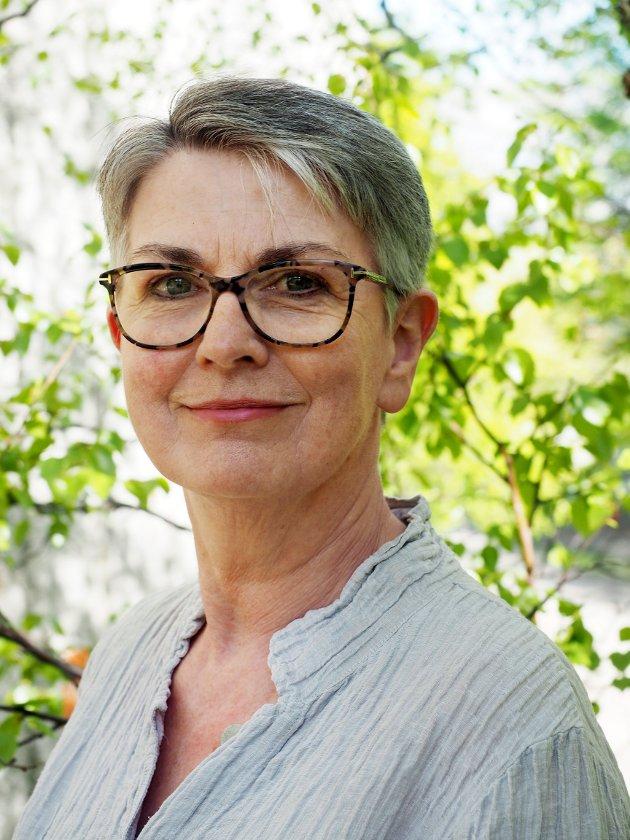 Kunsten skal kommentere, reflektere, kritisere og utfordre, skriver Ragnhild Helseth.
