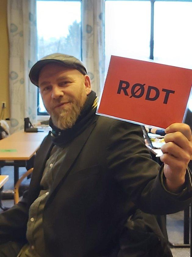 Rødt kort til Bjørnar Skjæran
