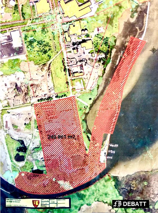 Det bitte lille området nederst til høyre som ikke er skravert med rødt, er Øra Båthavn.
