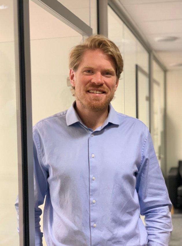 Advokat Njål Ødegård arbeider i Advokatfirmaet Tollefsen AS med forretning, skatt, avtalerett, familierett, fast eigedom og prosedyre.