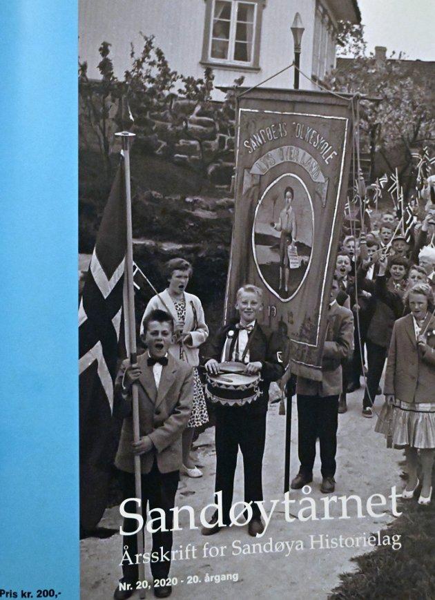 Sandøytårnet: Årets utgave er trolig det beste årsskriftet som er kommet fra historielagets hånd, mener Tvedestrandspostens bokanmelder.