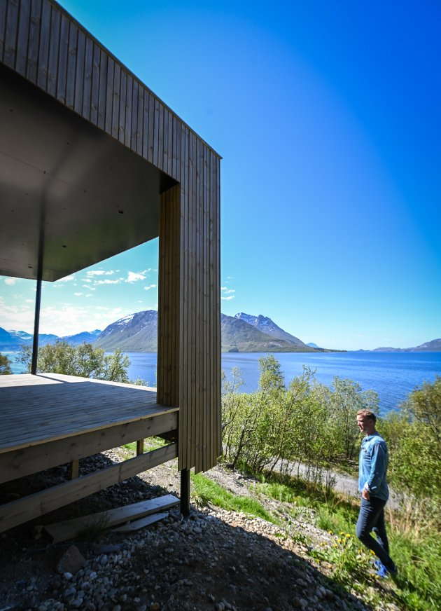 Kjell Arne Seterdal bygger en helt spesiell hytte i Aldersundet.