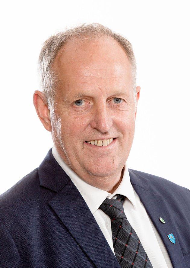 Olav Skinnes (Sp), fylkesråd for distrikt og fylkesveier