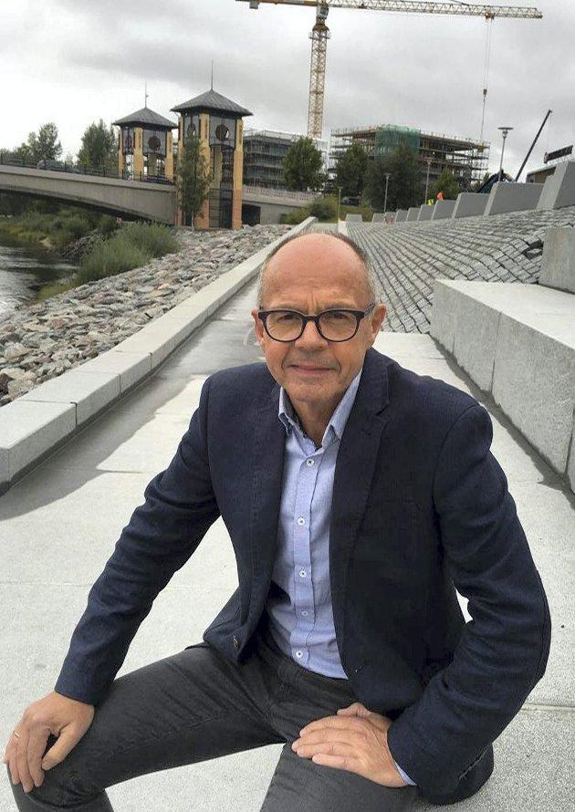 INVESTERING: Rådmann i Kongsvinger, Torleif Lindahl, ser på byggingen av amfiet ved Kongssenteret som en investering for byen og kommunen.
