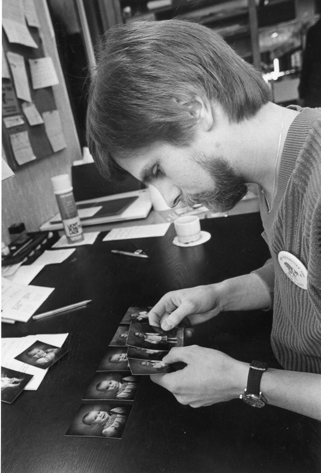 Fotograf Rogne. Jan-Petter Rogne hadde et arkiv med nær 40.000 fotograferinger da han i 2008 ga seg som næringsdrivende fotograf. – Jeg har flere generasjoner med ranværingers store begivenheter i arkivet, sa han i et intervju med Rana Blad.