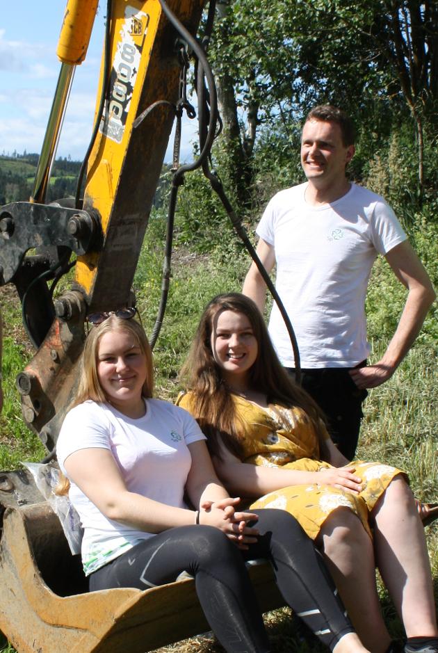 Pål-Arne Oulie (ordførerkandidat for Gran Senterparti), Maren Raknerud (4. kandidat for Gran Senterparti) og Karoline Gjærviken  (6. kandidat og leder i Hadeland senterungdom).