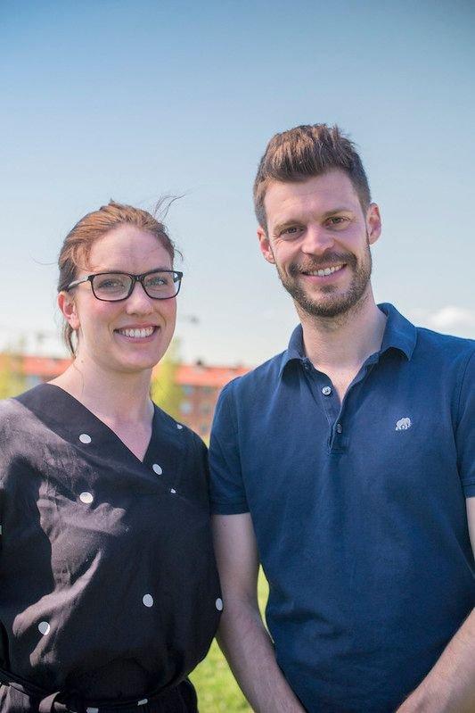 Stortingskandidat Maren Kurdøl og partileder Bjørnar Moxnes fra Rødt ønsker lavere strøm for vanlige folk