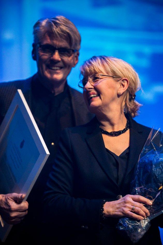 BYGGESKIKKPRISEN: Jan Arne Hansen, Anne Lisbeth Hansen og Arkitekt Per Stenseth.