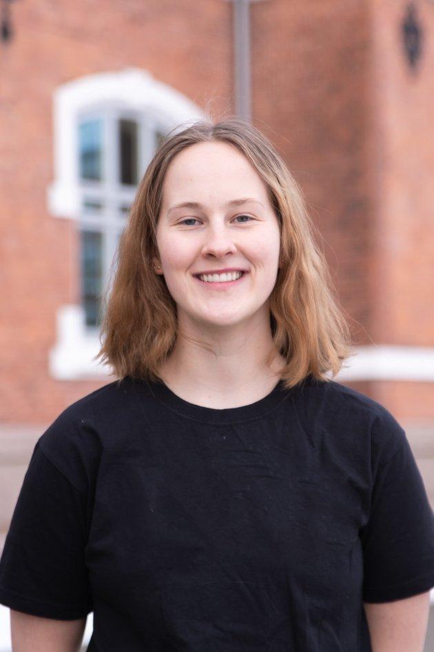 Guro Holm Skillingstad er student ved NMBU og 2. kandidat til Stortinget for Venstre i Nord- Trøndelag.