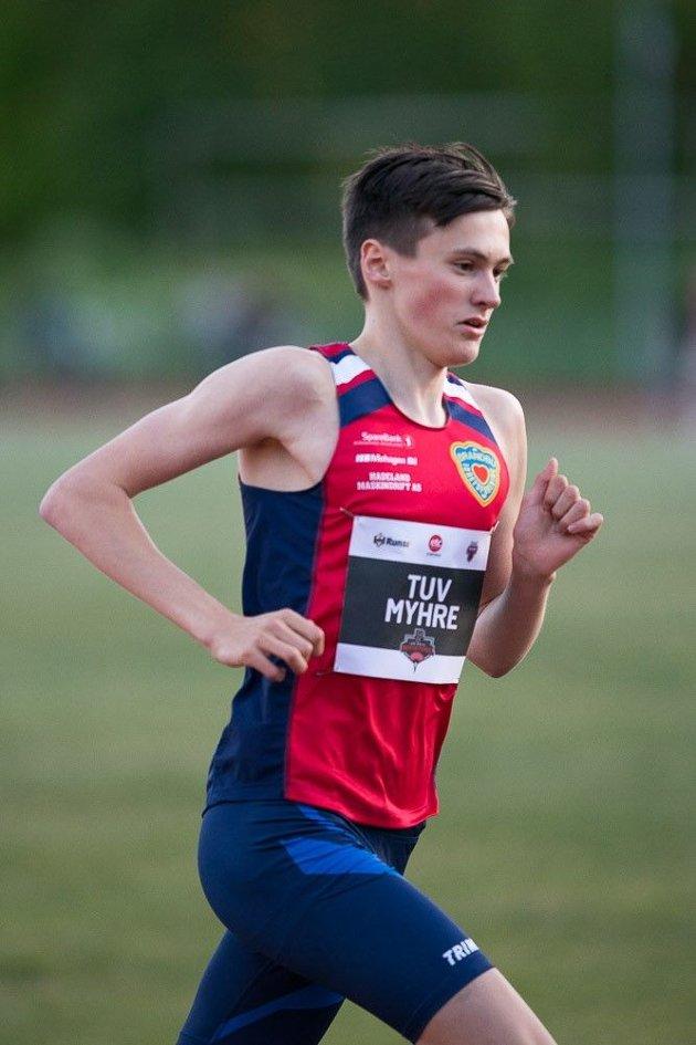 Magnus under 5000 m på Per Halle Invitational i Tønsberg