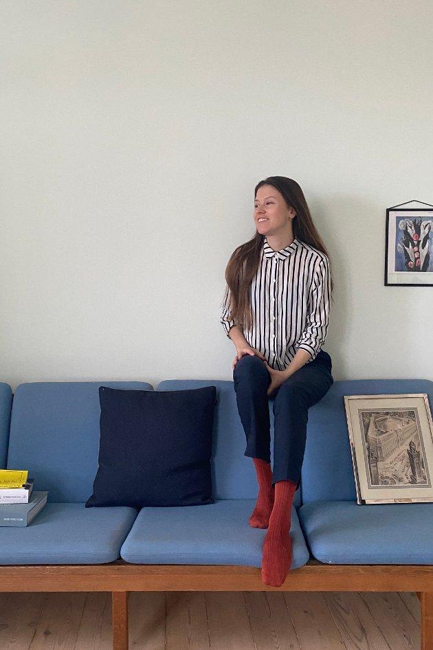 Bæredyktighet er veldig viktig for arkitekten Anita. Gjenbruk, måtehold og minimalisme er derfor vektlagt i leiligheten i København. Men en ny sofa har fått innpass.
