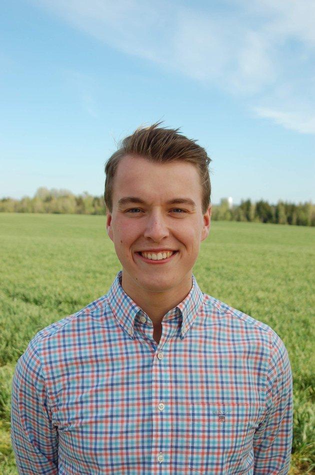 Stortingskandidat, Lars Vegard Fosser (Sp), mener regjeringens tilbud i jordbruksoppgjøret ikke gir framtidstro eller forutsigbarhet for bonden.