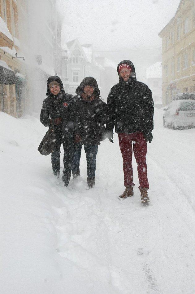 Katrina Colling, Sidsel Colling og Christian Ovenstad Snø i byen