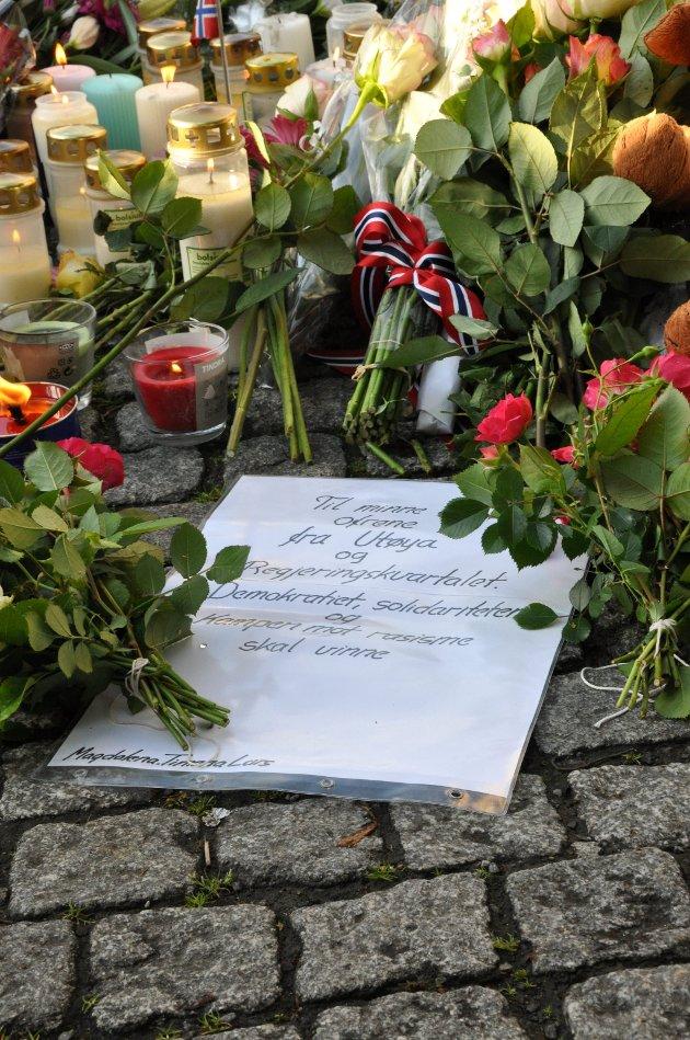 Ikke glemme: Vi må aldri glemme terroren for fem år siden. Men den skal heller ikke prege oss.