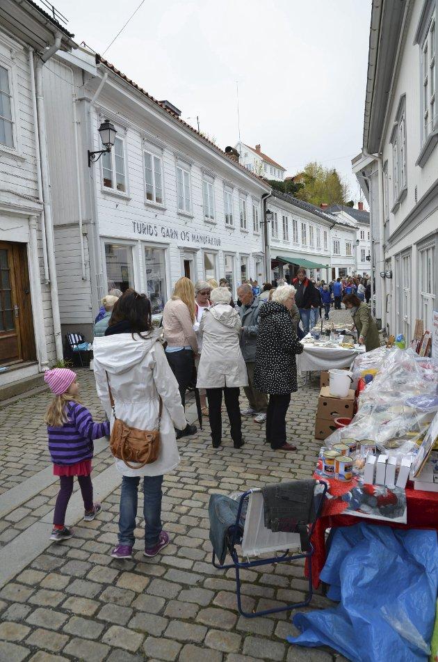Trygve Eriksen minner om at det å handle lokalt har stor betydning for at vi skal få beholde lokale håndverkere, butikkene og tilbudene i sentrum.