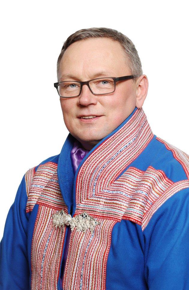 Sametinget vil ikke at norsk natur skal være uten rovdyr, men om de truer levebrødet til de samiske beitenæringene, er dette et helt klart brudd på folkeretten., skriver sametingsråd Hans Olav Eira (Sp).