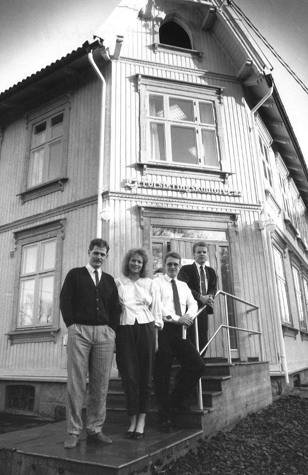 Forsikringskontoret A/S i Høienhaldgata i Moss. Svein Bøhaugen, Carina Nielsen, Morten Thømt og Hans Ellingsen.