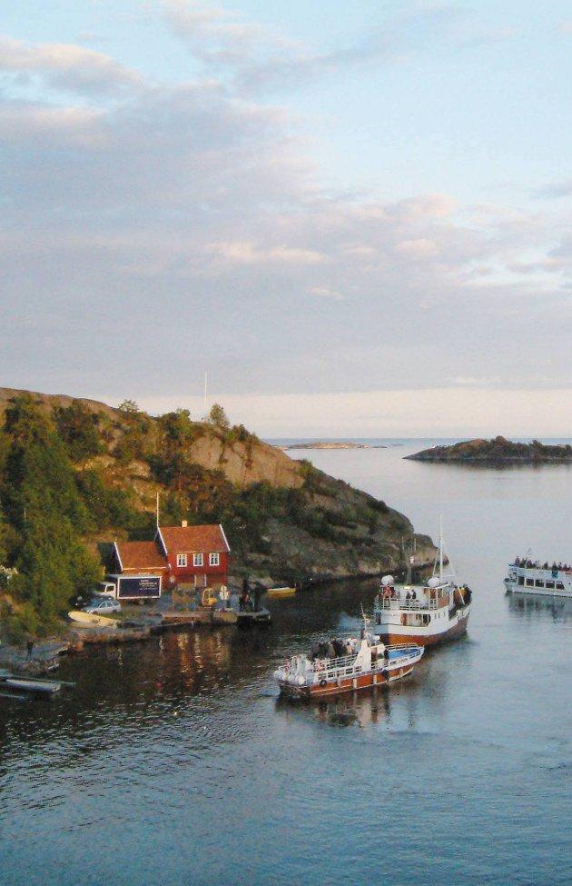 Boplikt: Hvorfor det er boplikt på Borøya som har fastlandsforbindelse forstår vi lite av. Hva er egentlig forskjellen mellom Borøya og Gjeving?