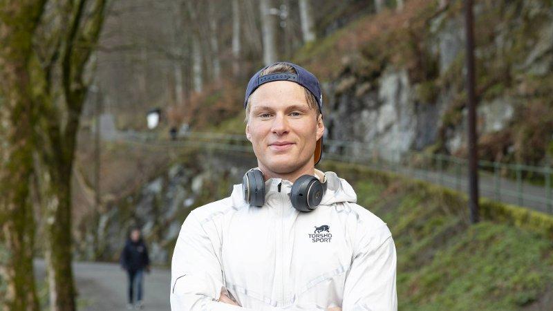 Sondre Øvre-Helland satser på maraton og 5000-, og 10.000-meter. TIF Viking-utøveren har vunnet Bergen City Maraton to ganger. De siste ukene har han gjort noe helt annet!