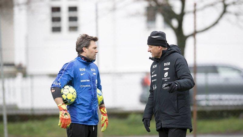 Håkon Opdal (t.v.) sier at spillerutvalget ikke var involvert i avgjørelsen om å sparke Lars Arne Nilsen (t.h.).