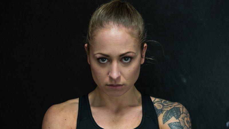 Anne Line Hogstad har signert kontrakt med en stor asiatisk fight-promotor.