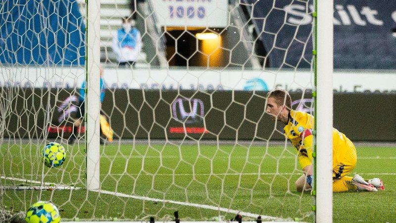 Skien 20201122.  Kevin Kabran scorer for Start i eliteseriekampen i fotball mellom Odd og Start på Skagerak Arena. Foto: Trond Reidar Teigen / NTB