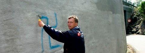 Roy Bjurholt (Frp) vil poengtere overfor Ap-politiker Tom Rune Olsen at Frp er handlekraftig.