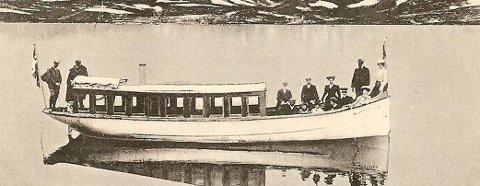 MB TYIN: Slik så båten ut da kong Haakon, dronning Maud og kronprins Olav seilte med den i 1909.