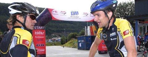 PUNKTUM: Etter langrenn, sykkel og løping har Erik Horne Nordstoga (t.h.) blitt Super-Birkebeiner.