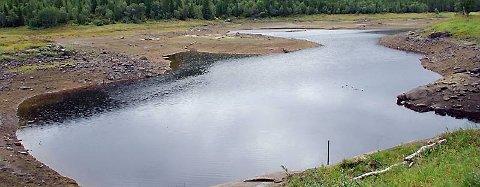 I DAG: Etter de siste dagenes regnskyll på Sør-Helgeland er Engavatnet i ferd med å fylle seg igjen. (Foto: Sør-Helgeland Opplevelser)