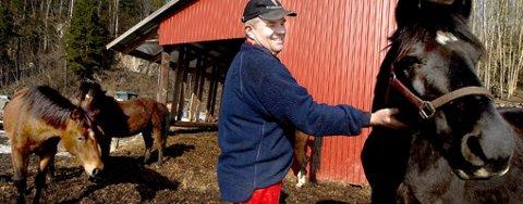 - Nå må landbruksministeren levere, sier bonde Vetle Øverland. Han håper den rødgrønne regjeringen kommer landbruksnæringen i møte i årets landbruksoppgjør.