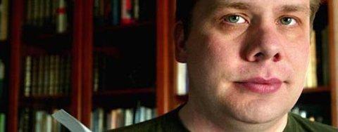 Doktor: Jonas Bakken har tatt doktorgraden i retorikk innen litteraturvitenskapen. (Foto: Johnny Helgesen)