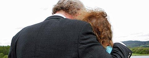 GLEDE: Besteforeldrene gleder seg over gjenforeningen med sitt 12 år gamle barnebarn, etter åtte måneders kamp mot barnevernet. FOTO: LISBETH ANDRESEN