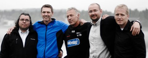 Fem av de seks medlemmene i interimsstyret til Modum Fotballklubb: Morten Wold (f.v.), Ole Gunnar Fidjestøl, Odd Brandtenborg, Per Skøien og leder Tom Berget.