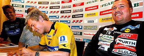SKREV UNDER: Marius Johnsen skrev i går under for fem år med LSK. FOTO: ROAR GRØNSTAD