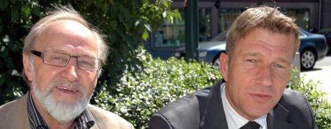 Ap-representantene Asmund Kristoffersen (t.v.) og Terje Aasland er stolte over at Norge velger et strengere regime enn EU for å kutte klimagassutslippene i industrien.